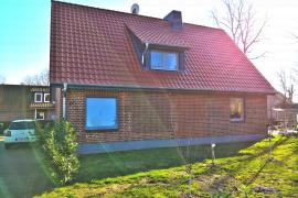 Dacheindeckung und Eingangsbereich